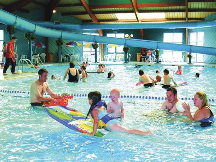 Ty mawr and happy days caravans to let private static Holiday parks in uk with swimming pools